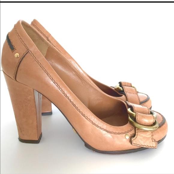 a409d4d0cbb Chloe Shoes - Chloe Tan Buckle Pumps